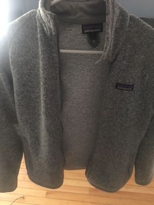 Patagonia sweater jacket women's for Sale in Schiller Park, IL
