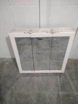 Mirror cabinet for Sale in Davenport,  IA