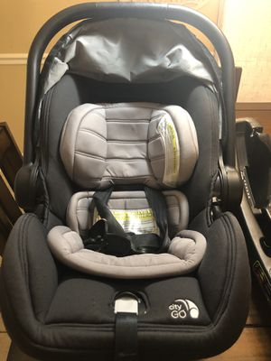Infant car seat for Sale in Snellville, GA