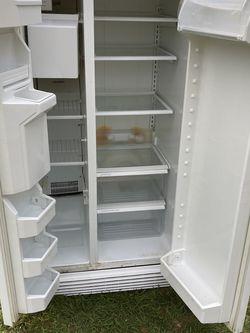Whirlpool refrigerator for Sale in Ocala,  FL