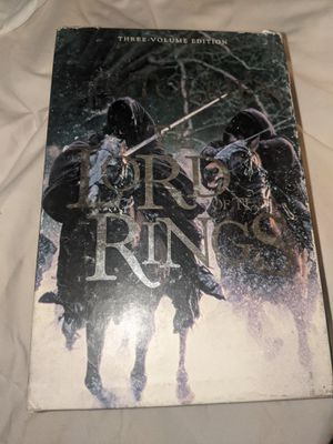 The lord of the Rings three volume edition book set . for Sale in Los Angeles, CA