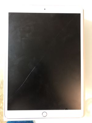10.5 iPad Pro cellular for Sale in Carol City, FL