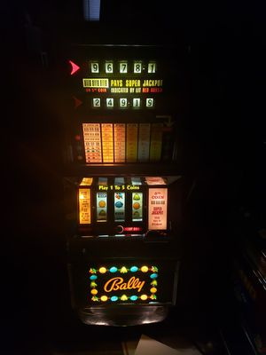 Vintage Bally Slot Machine for Sale in Stony Point, NY