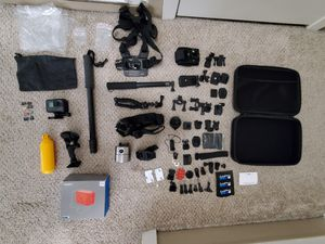 GoPro Hero 5 Black with accessories. for Sale in Joint Base Lewis-McChord, WA