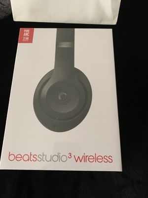 Beats Studio 3s Wireless- Brand new , still sealed for Sale in Cleveland, OH