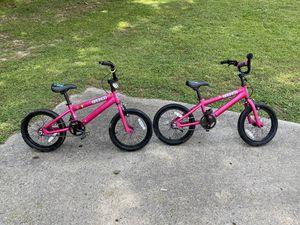 2 bikes S E broncos 16 inch wheels for Sale in Mableton, GA