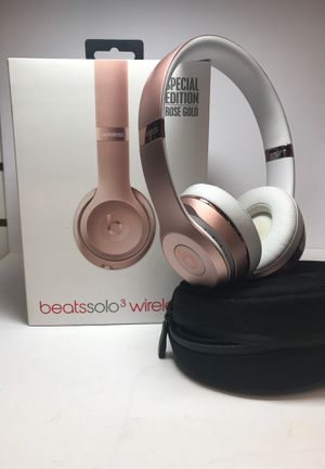 Beats Solo 3 Rose Gold #21502-1 for Sale in Tempe, AZ
