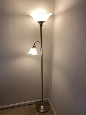 Floor lamp for Sale in Westbury, NY
