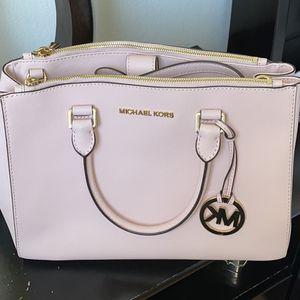 Michael Kors Handbag for Sale in Los Angeles, CA