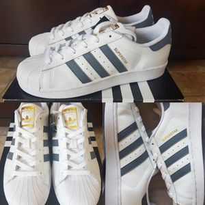 New Adidas Superstar (Sz 8 Women's) for Sale in Vancouver, WA