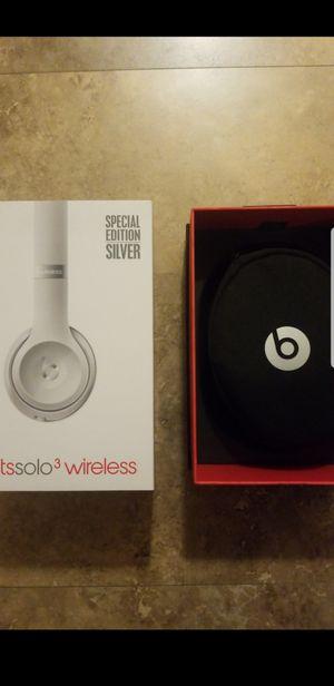 BEATS SOLO 3 wireless headphones for Sale in Wichita, KS