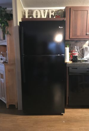 Whirlpool 4 piece appliance set for Sale in Palmyra, VA