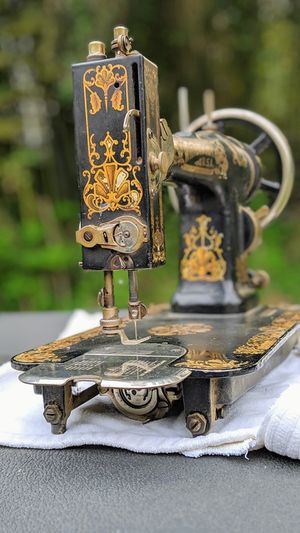 Sewing Machine, Vintage for Sale in Silver Spring, MD