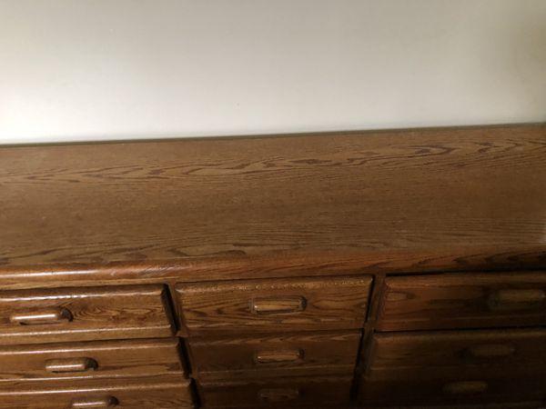 Dresser/nightstand