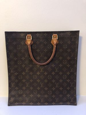 Louis Vuitton Sac Plat for Sale in North Chicago, IL