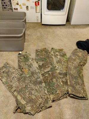 Realtree insulated pants for Sale in Colona, IL