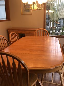 Wood Dining Room Set With Buffet for Sale in Bonney Lake,  WA