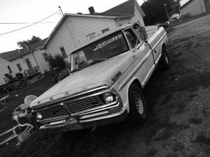 1970 Ford F-250 camper custom rare find original less than 80k miles ! for Sale in Council Bluffs, IA