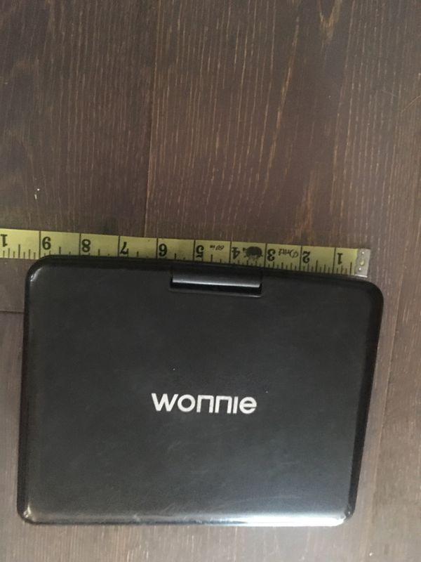 Wonnie portable DVD player