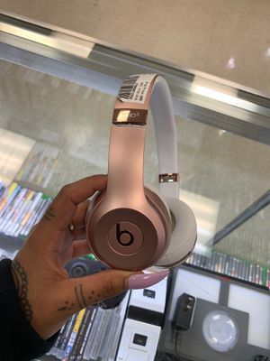Wireless solo3 rose gold beat headphones only $85!!! for Sale in Houston, TX