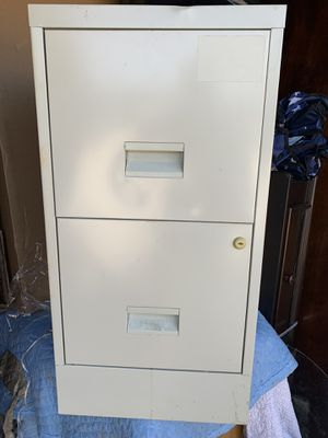 Small file cabinet ( no key) for Sale in Lewisville, TX