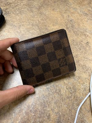 AUTHENTIC LOUIS VUITTON WALLET for Sale in Moreno Valley, CA