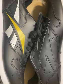 Reebok Classic Shoe Size 7 for Sale in College Park,  GA