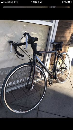 2010 Raleigh sport road bike for Sale in San Diego, CA
