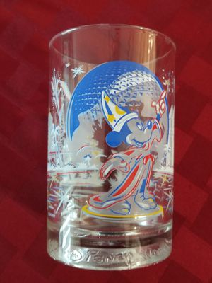 Disney 25th Anniversery Collectible Tumbler Glass for Sale in Edgewater, NJ