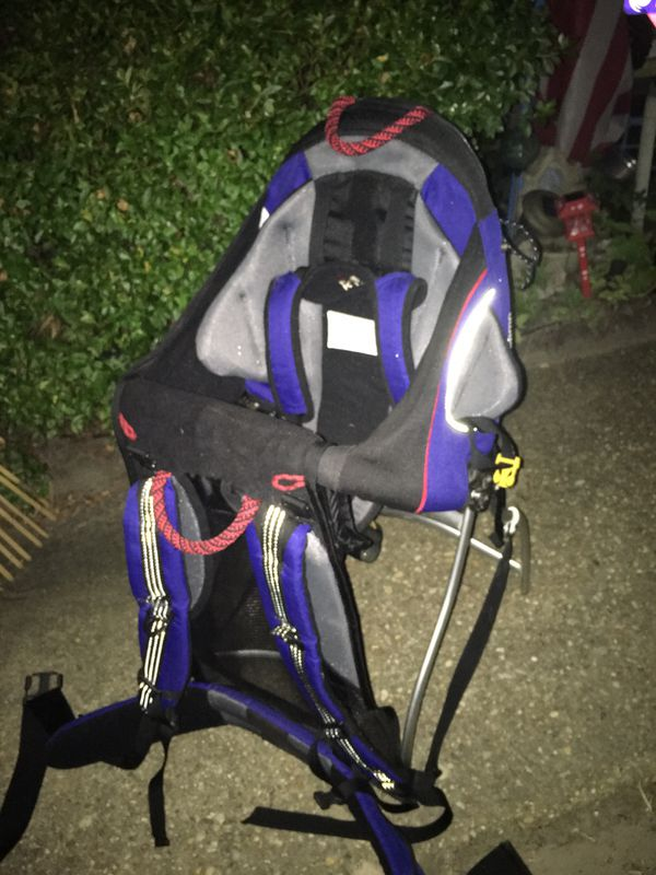 BackPack baby carrier LNEW only 40 Firm