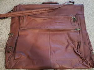 Wilson's Leather Garment Bag... like new for Sale in Miami Gardens, FL