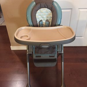 Graco Adjustable Folding High Chair for Sale in Bothell, WA