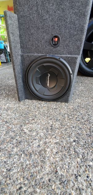 box with speakers for Sale in Auburn, WA