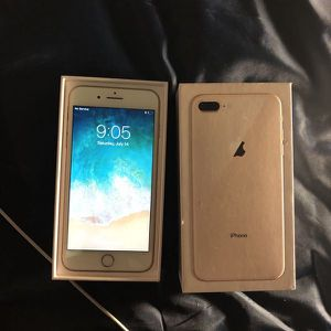 Factory unlocked apple iPhone 8 Plus rose gold 64 go for Sale in Gaithersburg, MD