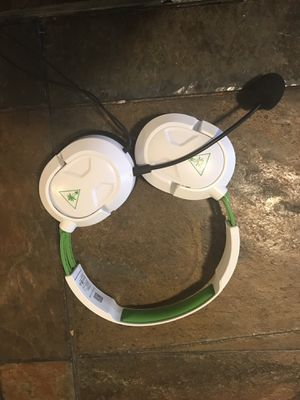 Xbox one headset for Sale in Lewisville, TX