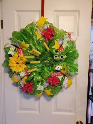 Cute as a bug Wreaths love frogs? for Sale in Lancaster, OH