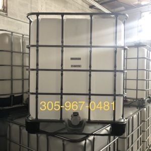 275 gallons water tank , ibc tote , plastic containers for Sale in Miami, FL