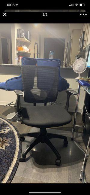 Mesh back computer chair for Sale in Boynton Beach, FL