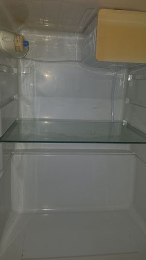 Frigidaire Mini fridge for Sale in Las Vegas, NV