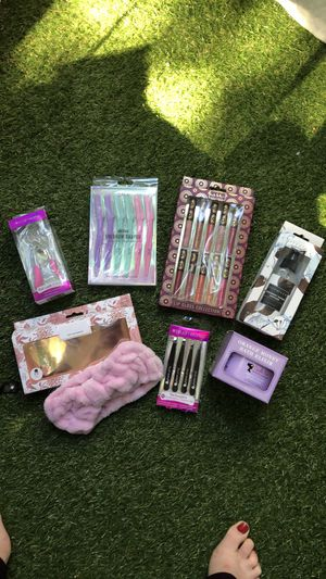 Curler / headband / eyebrow shapers for Sale in Los Angeles, CA