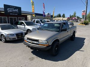 2003 Chevy S10 5-speed manual and 4*4 for Sale in Tacoma, WA