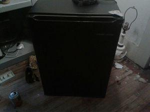 Black and decker mini fridge for Sale in Abilene, TX