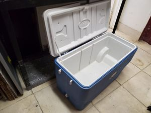 Large portable cooler ! for Sale in Hollywood, FL