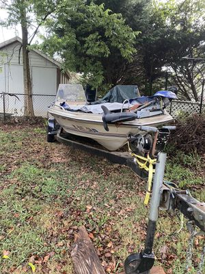 Bass boat for Sale in Charlotte, NC