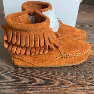 Minnetonka Double Fringe Bootie Infant 5 for Sale in Encinitas, CA