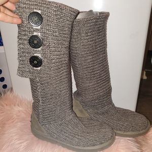 UGG Classic Cardi II Boot for Sale in Citrus Heights, CA