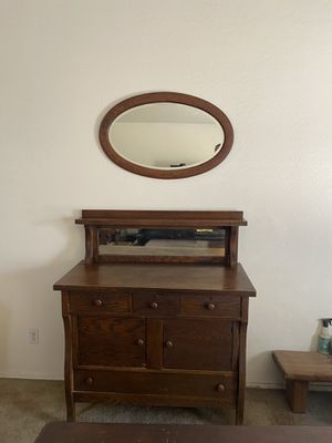 Antique dresser/ cabinet with mirror. Good condition. for Sale in Avondale, AZ
