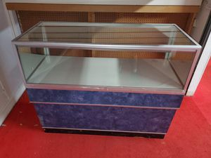 Glass display case for Sale in Kissimmee, FL