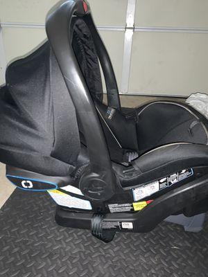 Graco snuglock infant car seat for Sale in Manteca, CA