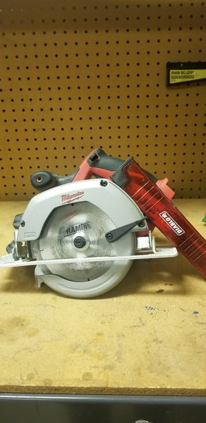 Milwaukee cordless 6-1/2 in. Circular saw for Sale in Vancouver, WA
